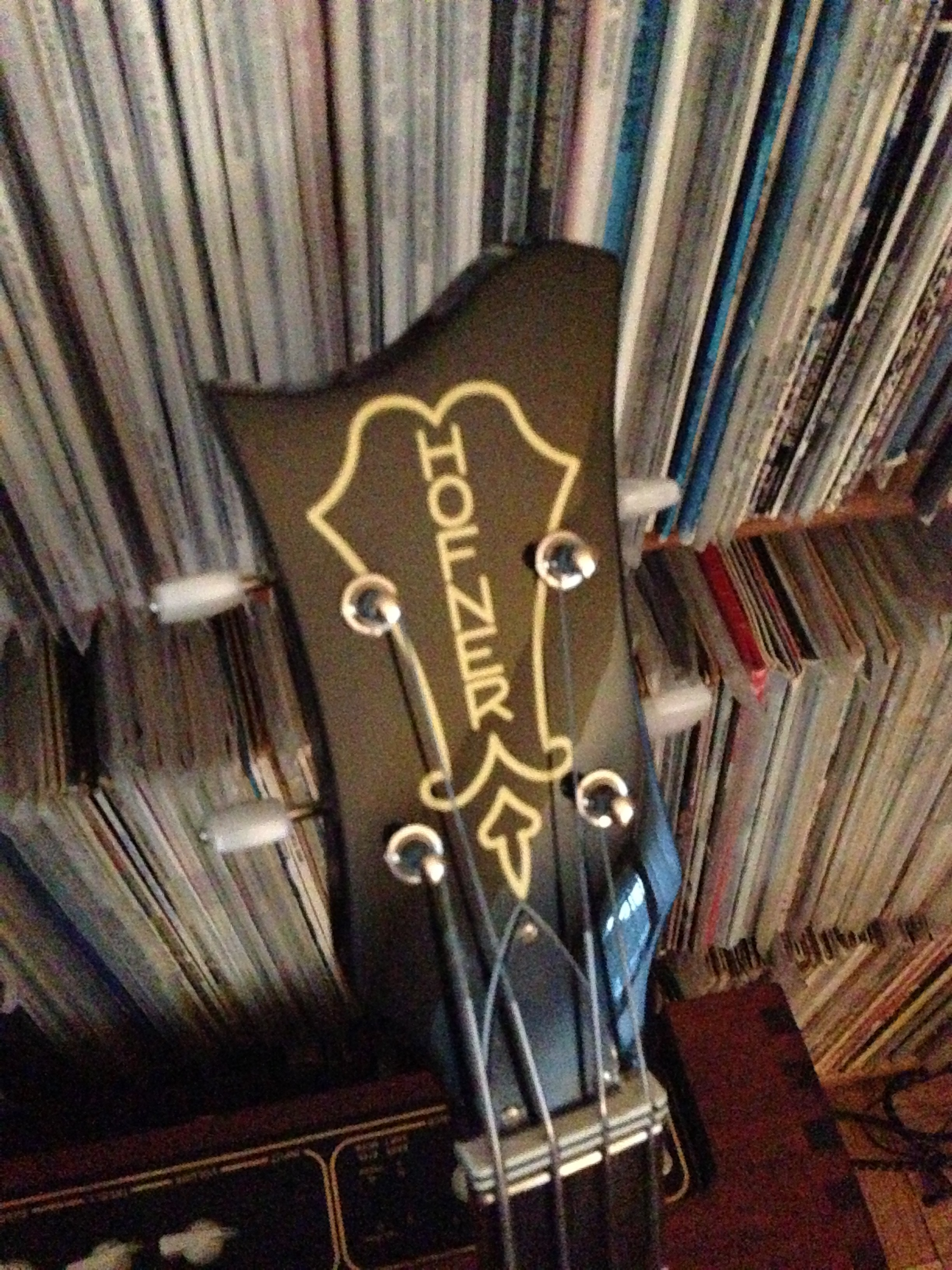 "Hofner with fancy headstock -- the ""Cavern"" bass"