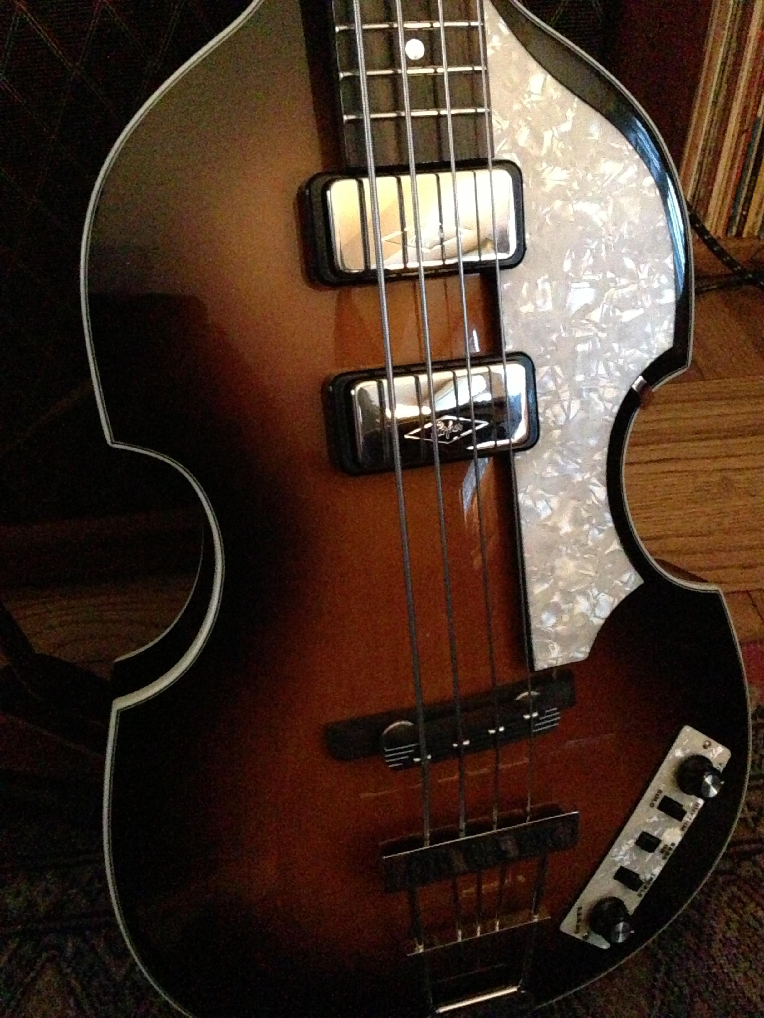 Höfner 500/1 violin bass